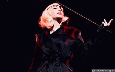 Batalkan Konser, Madonna Minta Maaf