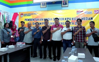 Amru-Jhonris Pimpin Media Center KPU Medan