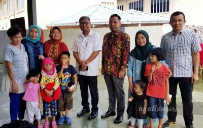 Mildah Bersama 5 Anaknya Pulang ke Sumut
