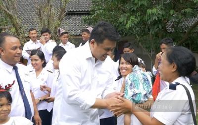 Sambut Natal, Bobby Nasution Berbagi Kegembiraan Bersama Anak Panti Asuhan