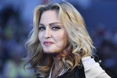 Madonna Dihalangi Bawa Putranya Berlibur ke Maladewa