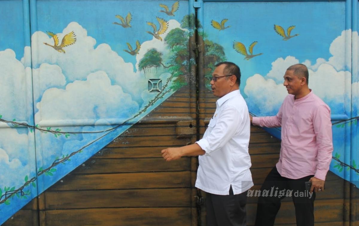Akhyar Apresiasi Masyarakat yang Membuat Mural