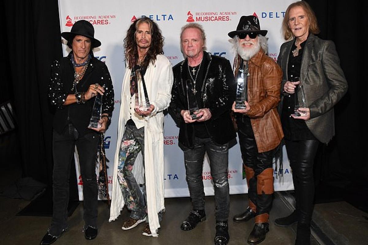 Penyanyi-Penyanyi Terkanal Turut Merayakan 50 Tahun Aerosmith