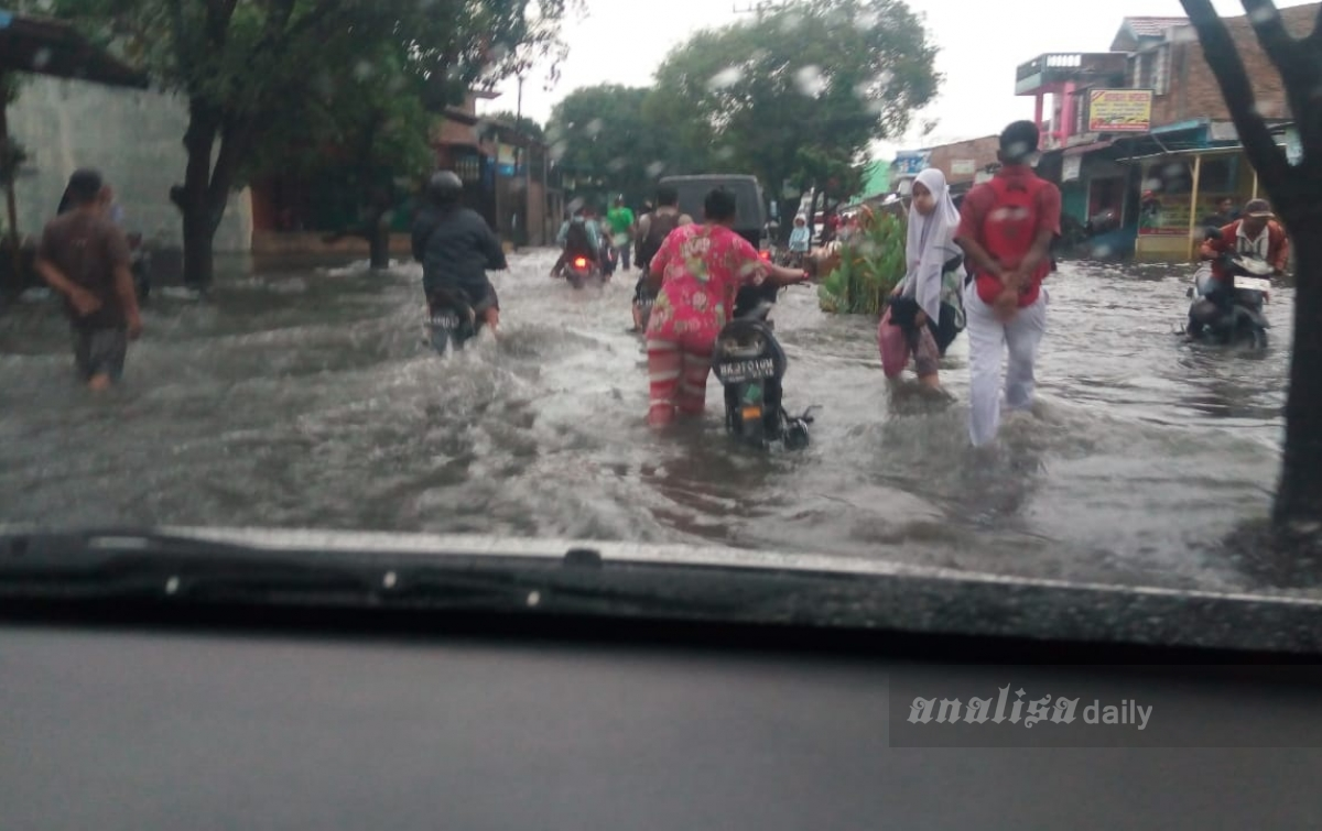 BREAKING NEWS: Kelurahan Besar Medan Labuhan Dilanda Banjir