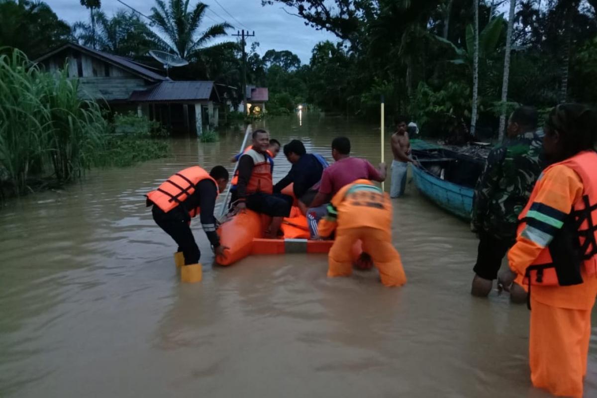 Banjir Rendam 7 Desa di Tapanuli Tengah, 1 Warga Meninggal Dunia