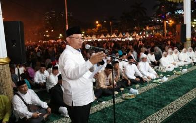 Zikir Akbar Warnai Malam Pergantian Tahun di Medan