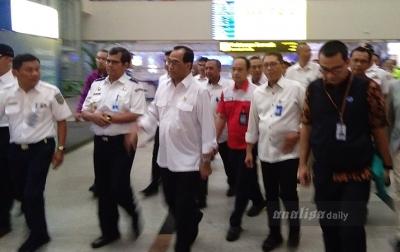 Menhub Tinjau Kesiapan Arus Balik Nataru di Kualanamu