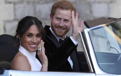 Pangeran Charles Berupaya Keras Agar Harry dan Meghan Kembali