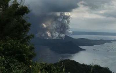 Gunung Api Taal Meletus, Pemerintah Filipina Evakuasi Warga