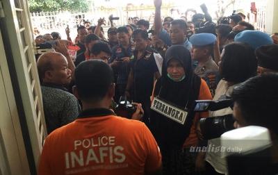 Otak Pelaku Pembunuhan Hakim Jamaluddin Disoraki Warga