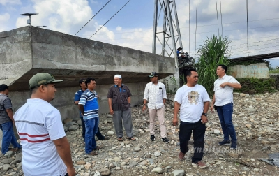DPRD Palas Tinjau Pembangunan Abutment Penghubung Lima Desa