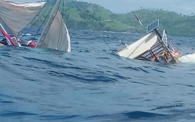 Dihantam Ombak, Kapal Jurnalis Terbalik di Labuhan Bajo