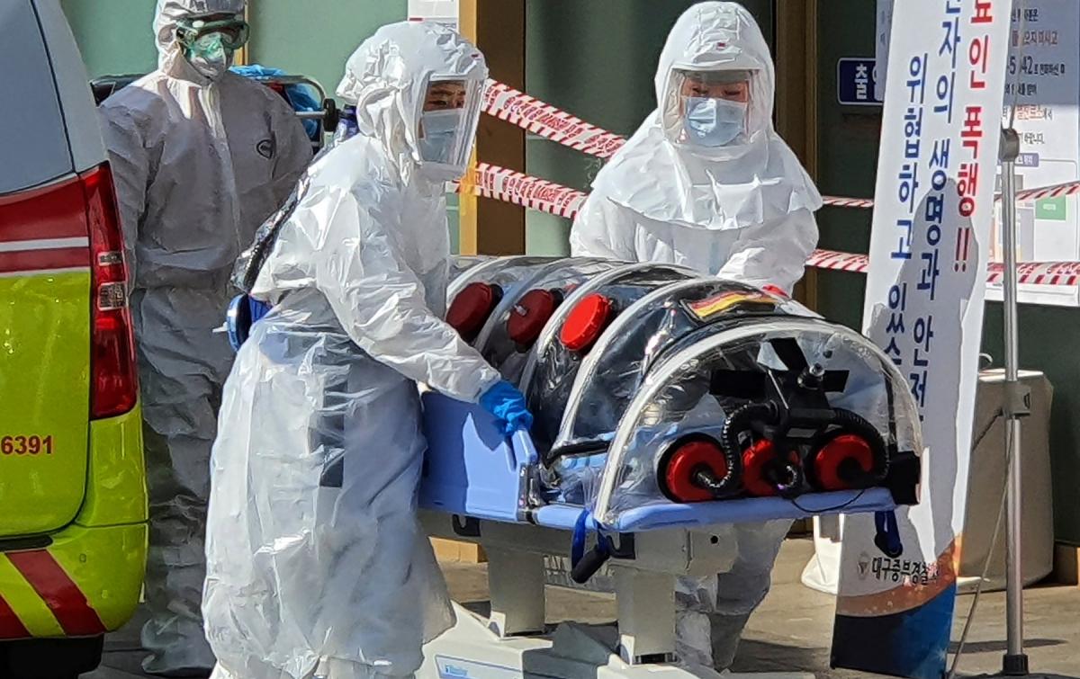 Corona COVID-19: China Lapor 889 Kasus Baru, Kematian Lampaui 2.200