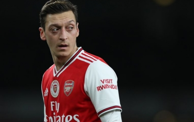 Arsenal Tak Izinkan Mesut Ozil Hengkang