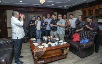 HUT Ke-16 PFI, Akhyar Nasution Ajak Fotografer Bikin Cantik Medan Lewat Visual