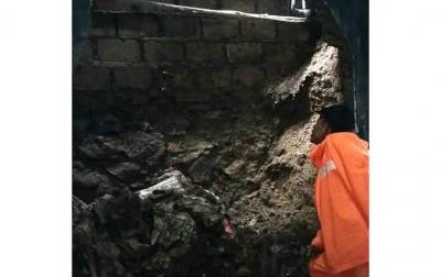 Satu Keluarga Tewas Tertimbun Longsor di Ciawi