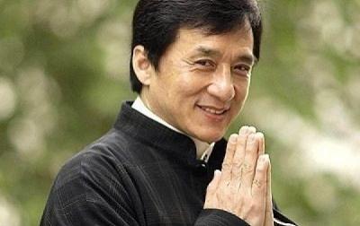 Jackie Chan Bantah Terinfeksi Corona