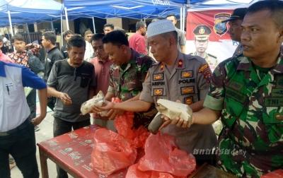 Jaga Kondusifitas, TNI dan Polri Gelar Salat Jumat Bersama