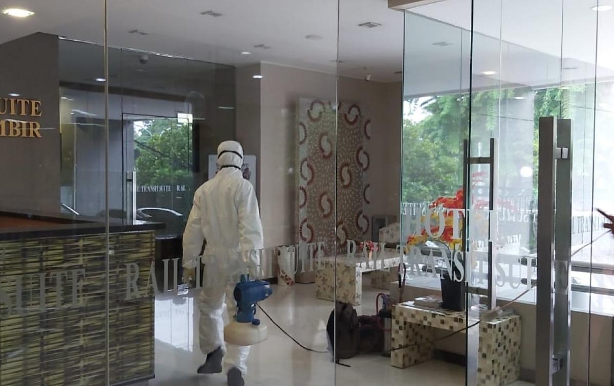 Antisipasi Corona, Kawisata Disinfeksi Kantor dan Hotel Transit Gambir