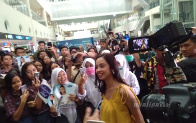 Lyodra Ginting Mendapat Sambutan Hangat di Bandara Kualanamu