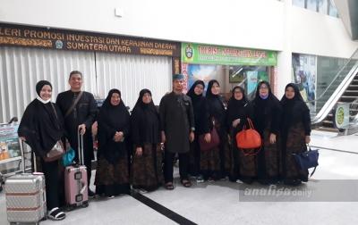 Ratusan Jamaah Umrah Tiba di Bandara Kualanamu