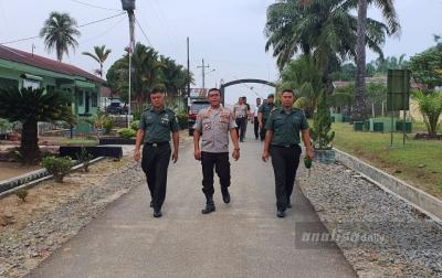 Jalin Soliditas, Kapolsek Galang Silaturahmi ke TNI