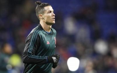 Terkait Corona, Ronaldo Kirim Pesan Kepada 207 Juta Pengikut