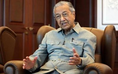 Kontak Dengan Pasien Positif, Tun Mahathir Karantina Diri