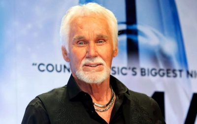 Legenda Musik Country Kenny Roger Tutup Usia
