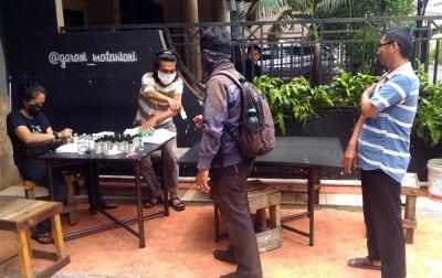 Gratis, Gerakan #Bergotongroyong Bagikan Masker dan Hand Sanitizer