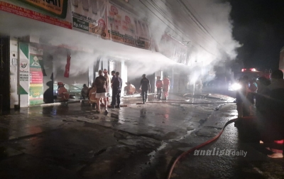 Supermarket Irian Tanjung Morawa Terbakar