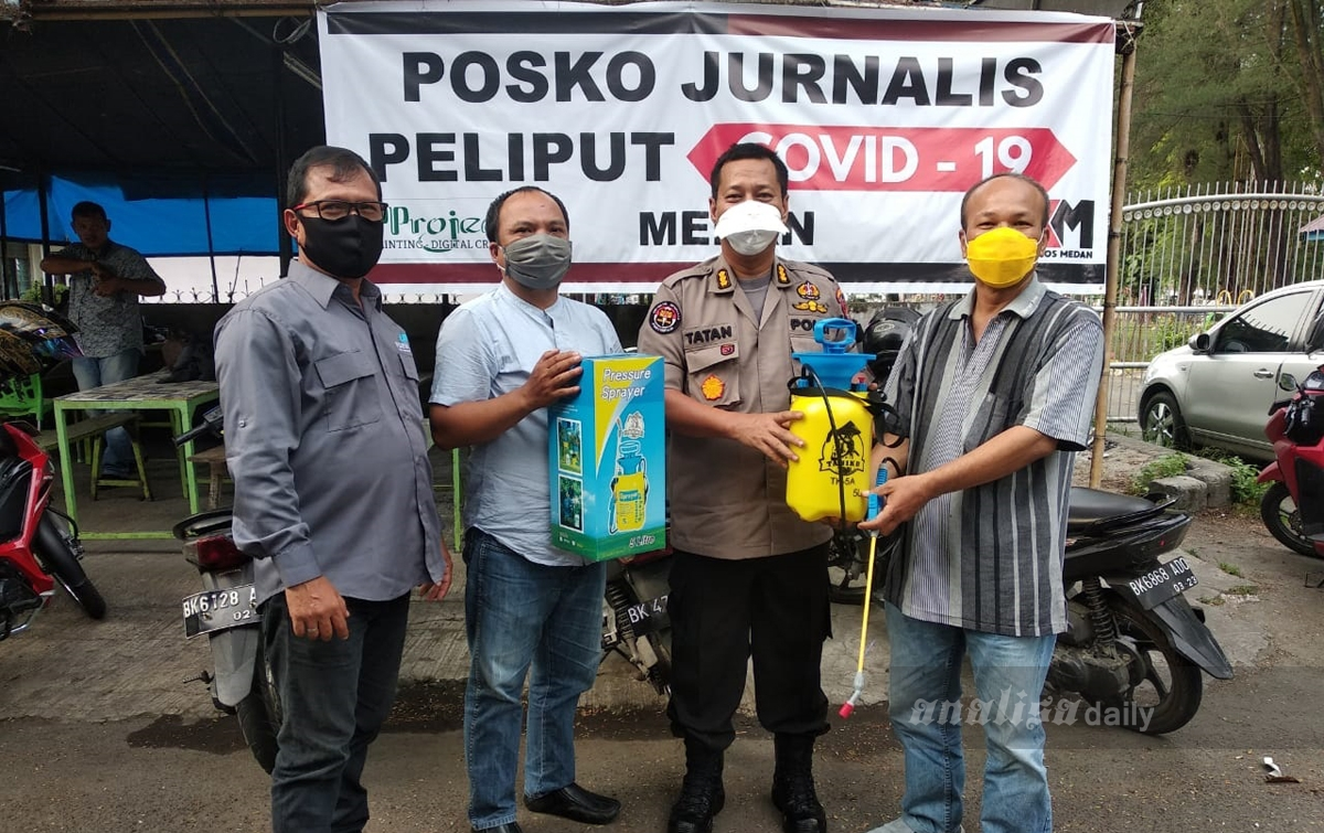 Polda Sumut Serahkan Alat Semprot Disinfektan Kepada Jurnalis