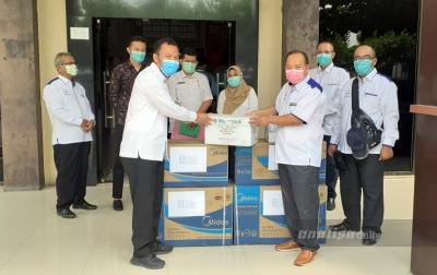 Apindo Tebingtinggi Kembali Serahkan Bantuan APD