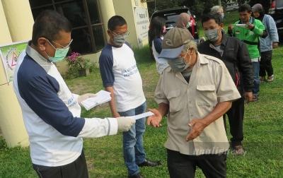 Di Tengah Pandemi COVID-19, IKA USU Berikan Bantuan Kepada Warga