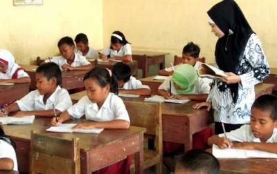 Anggaran Guru Tidak Berkurang Meski Pandemi Corona