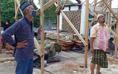 Masjid Bantuan Aceh di Palu Mulai Dipasang Kubah