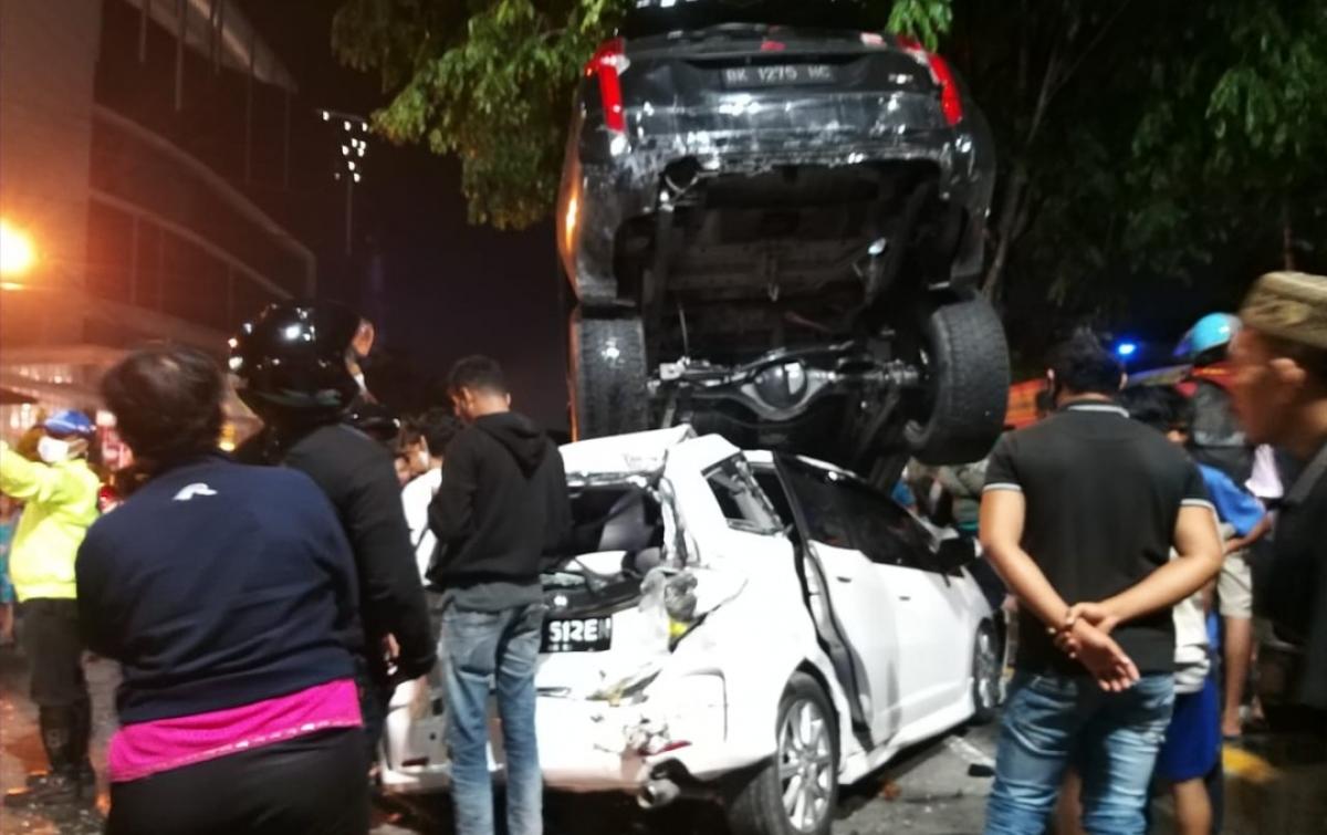 Kecelakaan Beruntun Terjadi di Jalan Gatot Subroto Medan