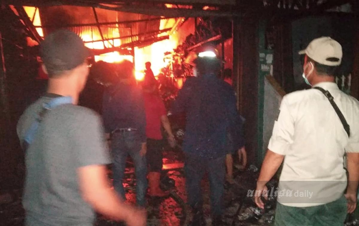 Rumah dan Tempat Usaha Warga di Medan Area Hangus Terbakar