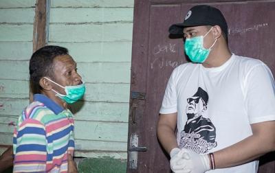 Bobby Nasution Datangi Warga yang Makan Hanya Pakai Penyedap