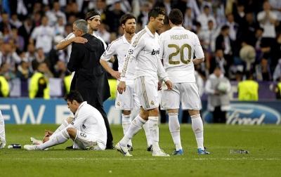 Mourinho Nangis Saat Madrid Ditekuk Munich