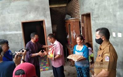 Wartawan Polresta Deli Serdang Bantu Korban Bencana