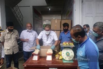 Anggota DPRD Sumut Saksikan Penyerahan Bantuan Sembako di Simalungun