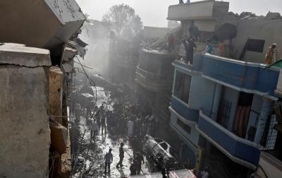 Kecelakaan Pesawat di Karachi: 97 Tewas, 2 Selamat