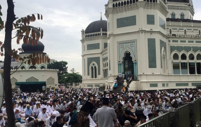 Ribuan Warga Medan Salat Id di Masjid Raya Al-Mashun
