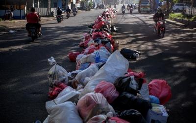 Foto: Libur Lebaran, Jalan Dipenuhi Sampah