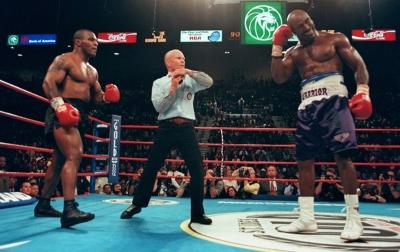Alasan Holyfield Tidak Membalas Gigitan Mike Tyson