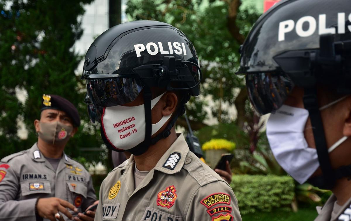 Foto: Helm Pintar Pendeteksi Suhu Tubuh
