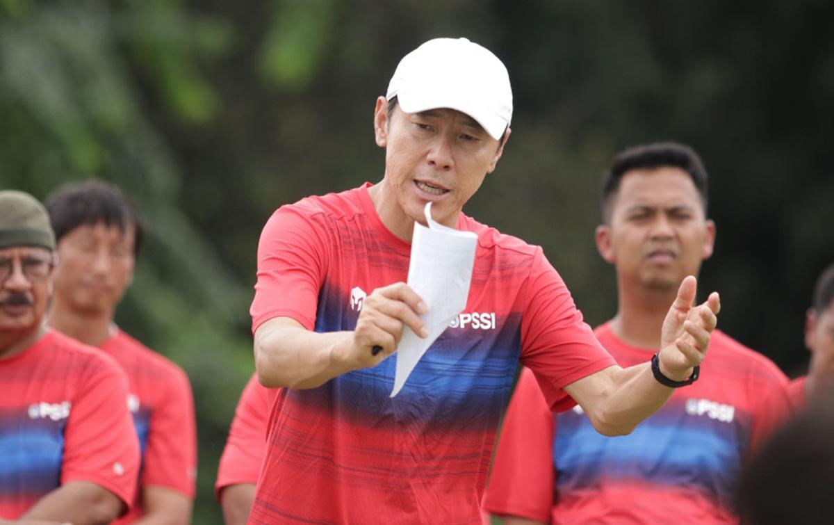 Ketua Umum PSSI Sebut Indra Sjafri Dukung Shin Tae Yong