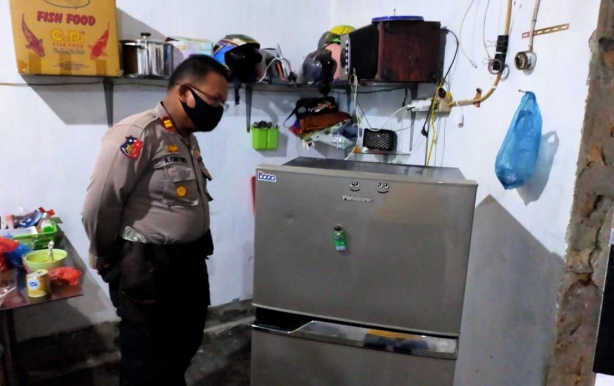 Seorang Pria Meninggal Tersengat Listrik Saat Perbaiki Kulkas