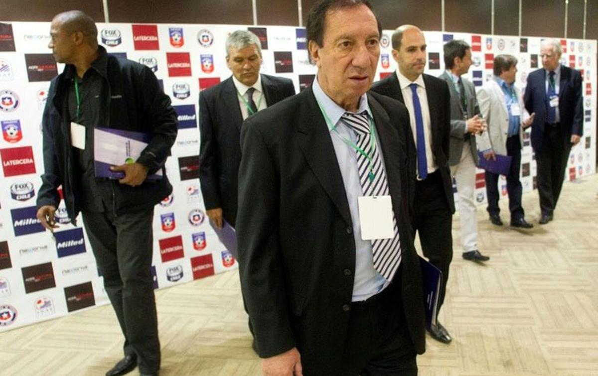Mantan Pelatih Argentina Bilardo Dinyatakan Positif Covid-19